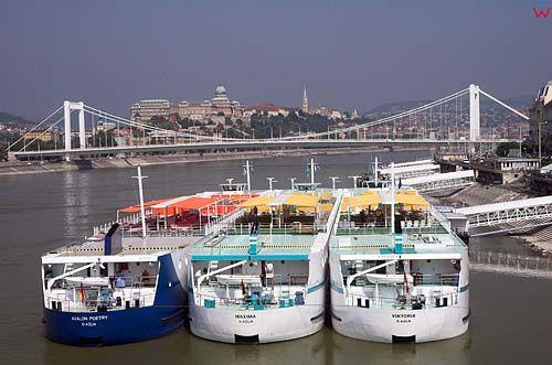 Budapeszt, statki na Dunaju
