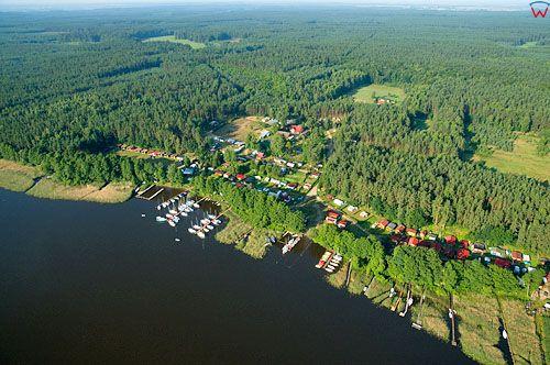 LOTNICZE. PL-Warm-Maz. jezioro Jeziorak, okolica wsi Siemiany.