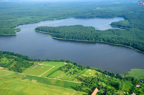 LOTNICZE. PL-Warm-Maz. jezioro Jeziorak, okolica wsi Jazdzowki, widok od str. E.