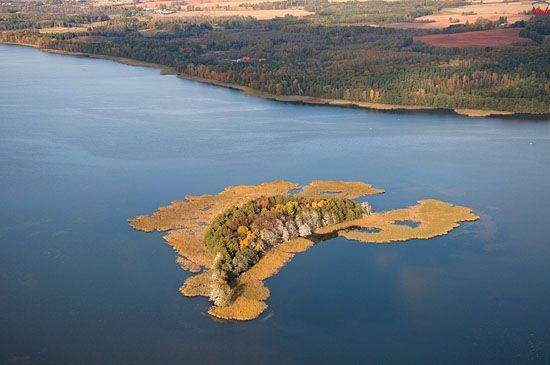 Lotnicze, warm-maz. Panorama na wschodni brzeg jeziora Dabrowa Wlk.
