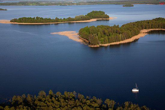 Lotnicze, Pl, warm-maz. Jezioro Dobskie od strony wsi Doba.