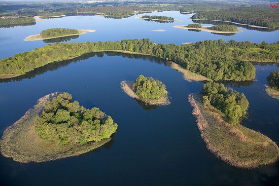 Lotnicze. PL, warm-maz. Jezioro Narie. Wyspa Labuny.