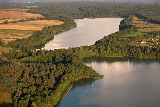 EU, PL, warm-maz. Lotnicze. Jezioro Ubik Wielki i Ubik Maly.