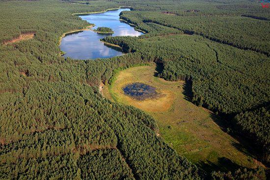 EU, PL, Pomorskie. Pojezierze Kaszubskie. Jezioro Strupino.