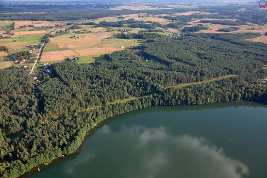 Lotnicze, EU, PL, Pomorskie. Kaszubski Park Krajobrazowy. Jezioro Dabrowskie.