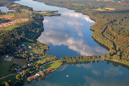 Lotnicze, EU, PL, Pomorskie. Kaszubski Park Krajobrazowy. Jezioro Radunskie Gorne i Radunskie Dolne.