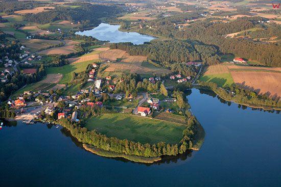 Lotnicze, EU, PL, Pomorskie. Kaszubski Park Krajobrazowy. Miejscowosc Ostrzyce i jezioro Ostrzyckie.