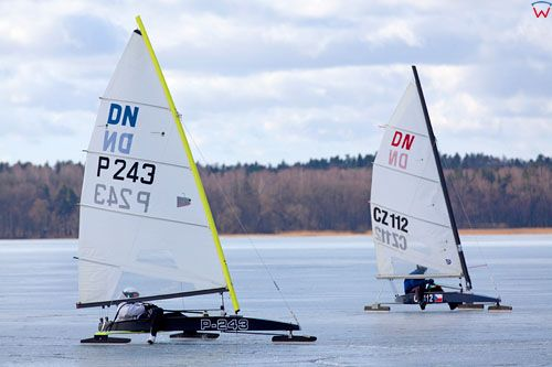 Miedzynarodowe Bojerowe Mistrzostwa Polski w klasie DN, rozegrane na jeziorze Niegocin, dnia 4-04-2012 r.