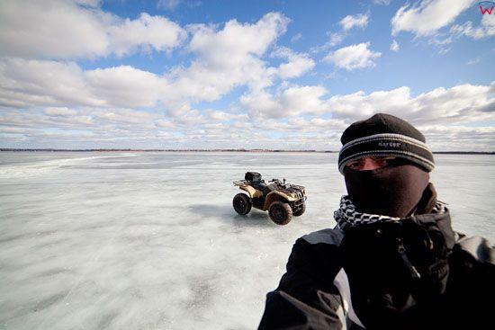 Jezioro Niegocin zima.