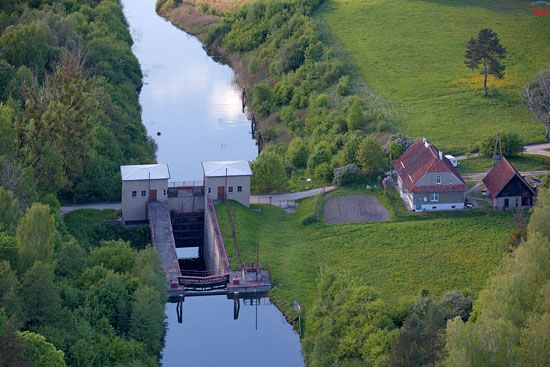Kanal Mazurski. Sluza Guja. EU, Pl, warm-maz, LOTNICZE.