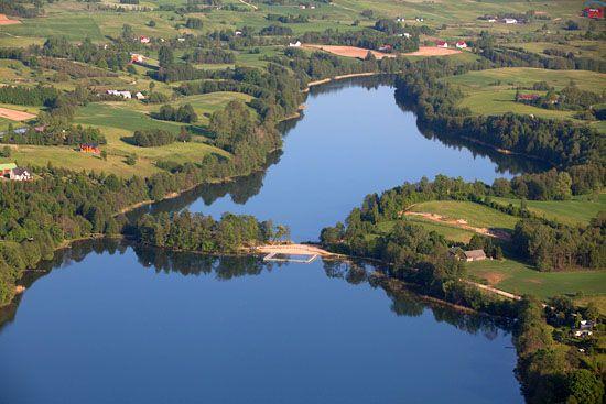 Jezioro Rospuda i Kamienne. EU, Pl, warm-maz, LOTNICZE.