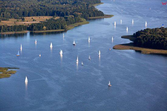Zaglowki na jeziorze Kisajno. EU, Pl, warm-maz. Lotnicze.