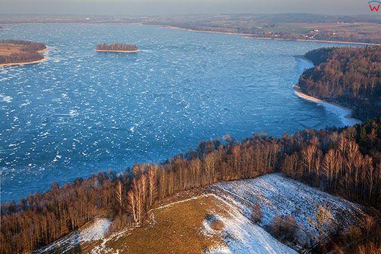 Jezioro Luterskie pokryte lodem. EU, PL, Warm-Maz, Lotnicze.
