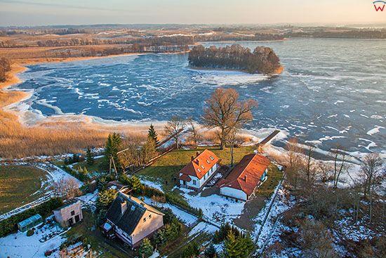 Dadaj, panorama na jezioro od strony wsi Biesowka. EU, PL, Warm-Maz, Lotnicze.