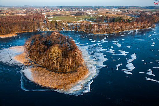 Dadaj, zamarzniete jezioro. EU, PL, Warm-Maz, Lotnicze.