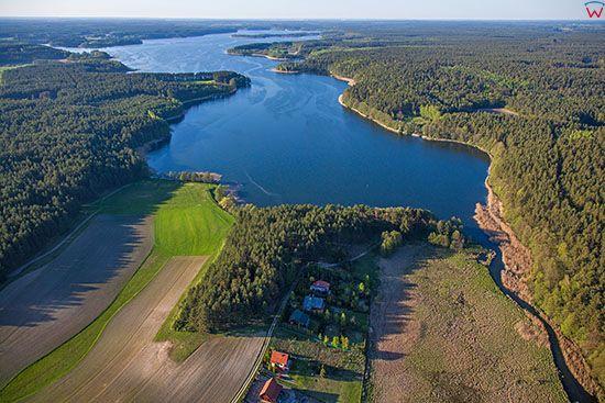 Rzeka Lyna wpadajaca do jeziora Lanskiego. EU, PL, Warm-Maz. Lotnicze.