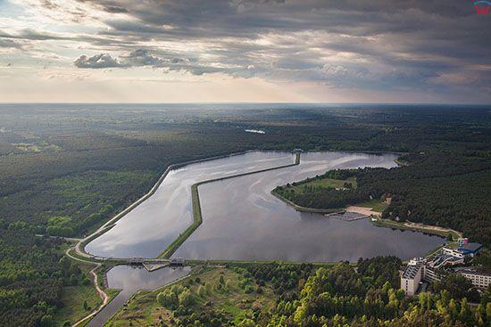 Belchatow, rzeka Widawka wpadajaca do jezora Slok. EU, Slaskie. Lotnicze.