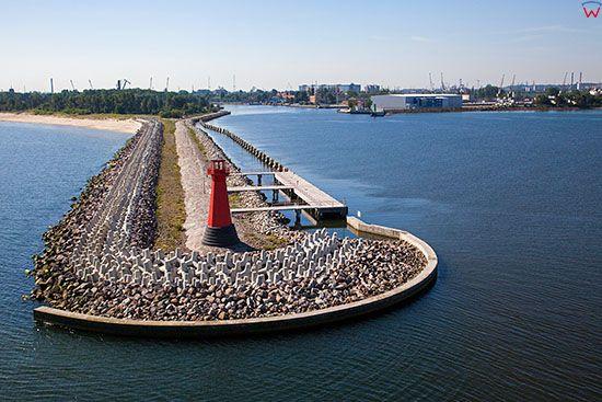 Gdansk, falochron przy wejsciu do Portu Gdansk. EU, PL, Pomorskie. Lotnicze.