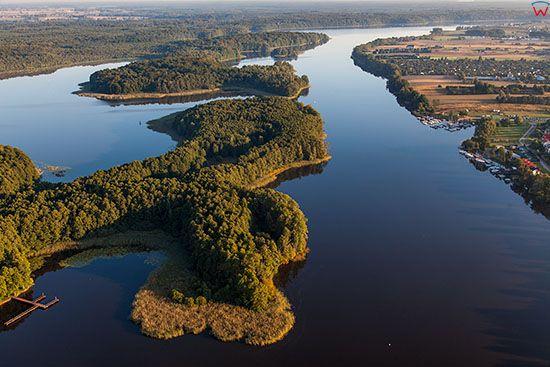Jeziorak, jezioro z Wyspa Wielka Zulawa. EU, PL, Warm-Maz. Lotnicze.