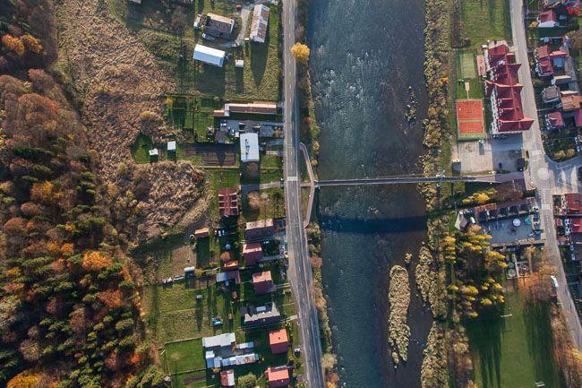 Czerwony Klasztor Dunajec stanowiacy granice Polski i Slowacji. EU, PL, Malopolska. Lotnicze.