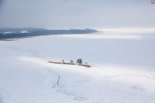 Jezioro Labap i Dargin 17.01.2017 r. Wyspa Ilma. Wielkie Jeziora Mazurskie zimowa pora. EU, Pl, Warm-Maz. Lotnicze.