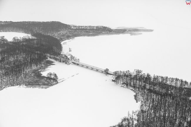 Jeziro Kirsajty i Dargin, 17.01.2017 r. most z lotu ptaka. EU, Pl, Warm-Maz. Lotnicze.