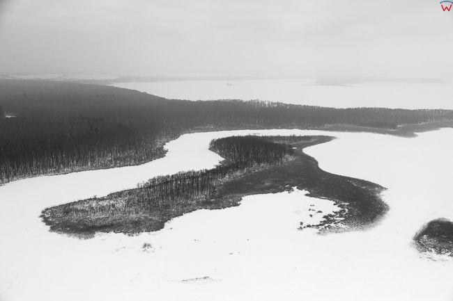 Jezioro Kirsajty, 17.01.2017 r. Wyspa Sidorkowa. Wielkie Jeziora Mazurskie zimowa pora. EU, Pl, Warm-Maz. Lotnicze.