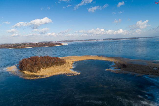 Mamerki, jezioro Mamry, polwysep Sosnowka. EU, PL, warm-maz. Lotnicze.