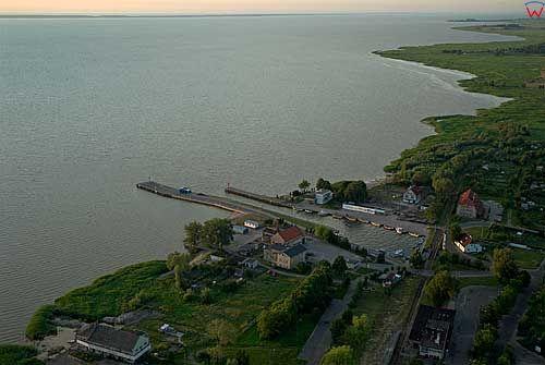 Lotnicze. Zatoka Wiślana-port we Fromborku.