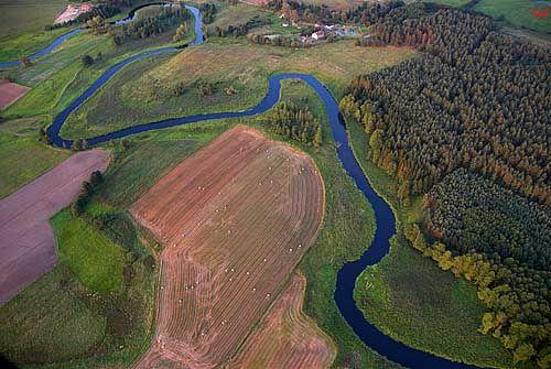 LOTNICZE. Rzeka Lyna na odcinku Dobre Miasto.