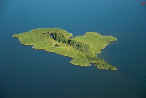 LOTNICZE. Warm-Maz. Wyspa na jeziorze Dobskie i Labap.