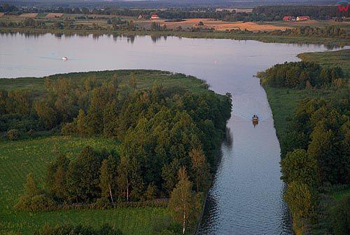LOTNICZE. Warm-Maz. Kanal Miodunski i jezioro Szymon.