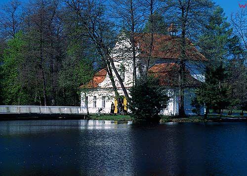 Zwierzyniec pałac na wodzie