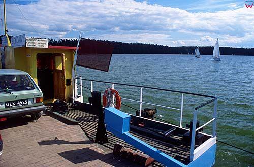 Prom na jeziorze Mikołajskim