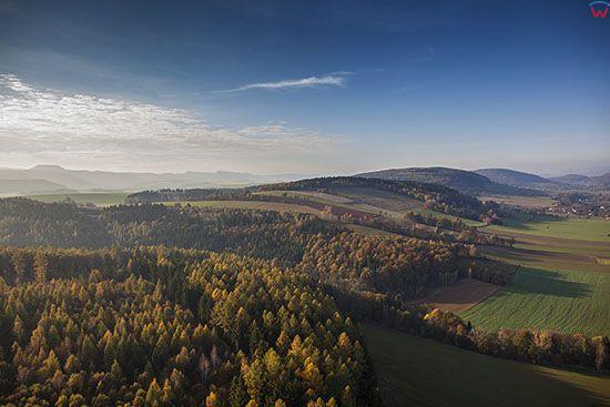 Sudety, okolica wsi Scinawka. EU, Pl, Dolnoslaskie. Lotnicze.