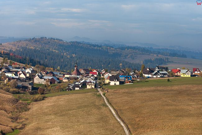 Dursztyn - Kotlina Orawsko-Nowotarska. EU, Pl, Malopolska. Lotnicze.