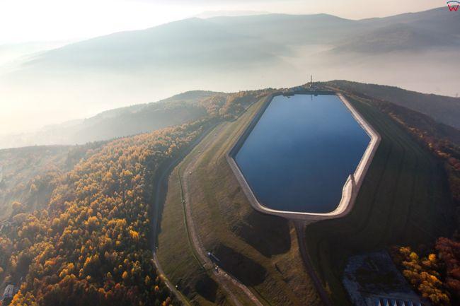 Gora Zar, Elektrownia szytowo - pompowa Porabka - Zar, zbiornik gorny. EU, Pl, Slaskie. Lotnicze.