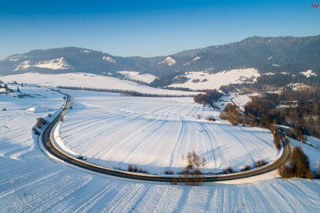 Sromowce Wyzne, panorama zimowej okolicy. EU, PL, malopolskie, Lotnicze