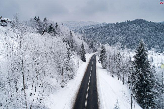 Droga nr 968 przez przelaecz Przyslop Gorce. EU, PL, malopolskie, Lotnicze