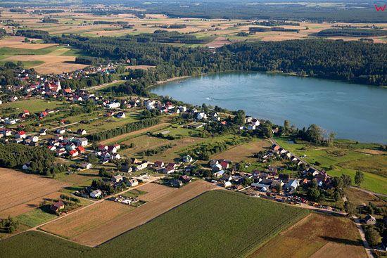 EU, PL, Pomorskie. Pojezierze Kaszubskie. Miejscowosc Wiele nad jeziorem Wielewskim.