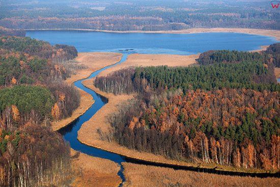 Lotnicze, EU, Pl. Mazurski Park Krajobrazowy. Ujscie rzeki Krutyni do jeziora Gardynskiego.