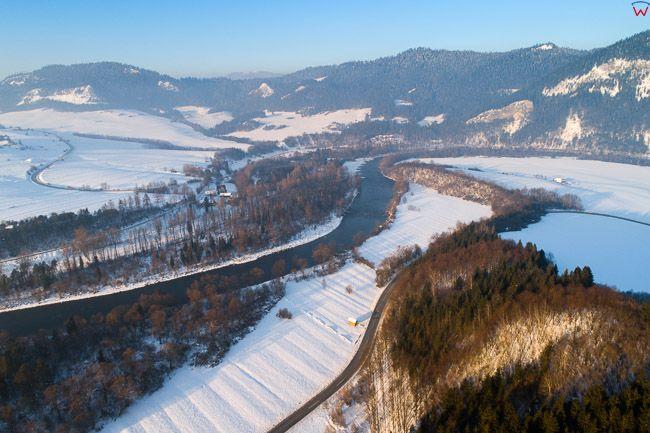 Przelom Dunajca w okolicy Katy. EU, PL, malopolskie, Lotnicze