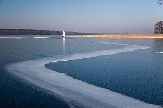 Jezioro Kisajno w zimowej scenerii. EU, PL, Warm-Maz.