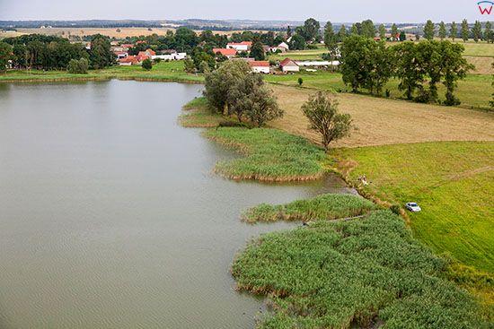 Ruska Wies, panorama przez jezioro Ruskowiejskie. EU, PL, Warm-Maz. Lotnicze.