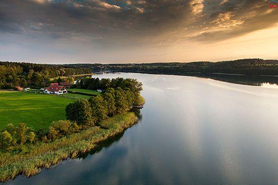 Jezioro Juksty, okolica wsi Pelkowo. EU, PL, Warm-Maz. Lotnicze.