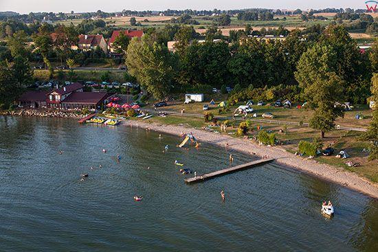 Gizycko, plaza miejska nad jeziorem. EU, PL, Warm-Maz. Lotnicze.