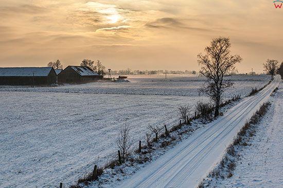 Wielochowo, zimowy pejzaz wsi. EU, PL, Warm-Maz. Lotnicze.
