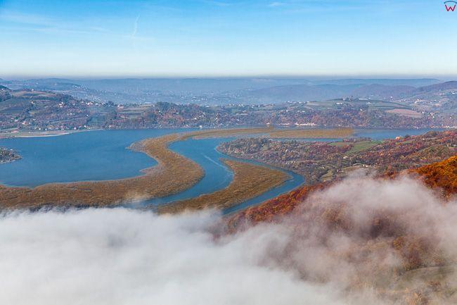 Jezioro Roznowskie widoczne od strony S. EU, Pl, Malopolska. Lotnicze.