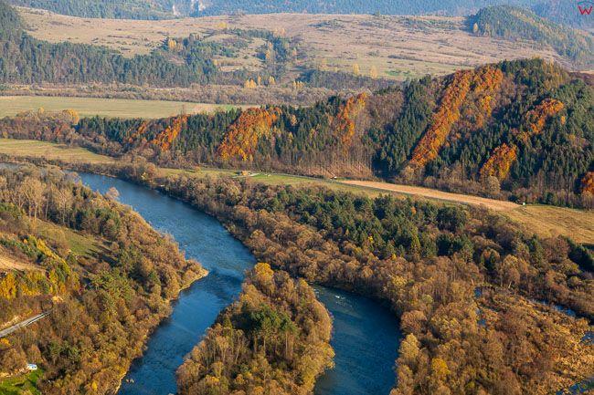Dunajec, stanowiacy granice Polski i Slowacji. EU, PL, Malopolska. Lotnicze.