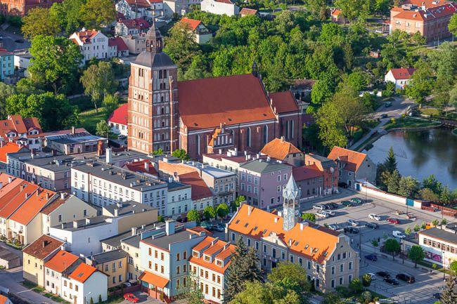 Barczewo, centrum miasta. EU, Pl, Warm-Maz. Lotnicze.